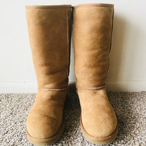 UGG Woman's Tall Boots Size 9